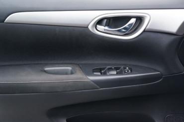 2014 Nissan Sentra - Image 10