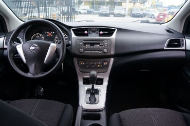 2014 Nissan Sentra - Image 21