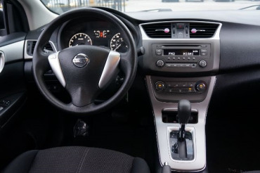 2014 Nissan Sentra - Image 22