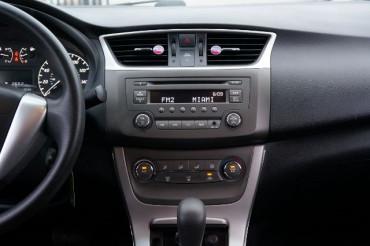 2014 Nissan Sentra - Image 23
