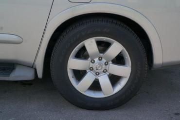 2008 Nissan Armada - Image 12
