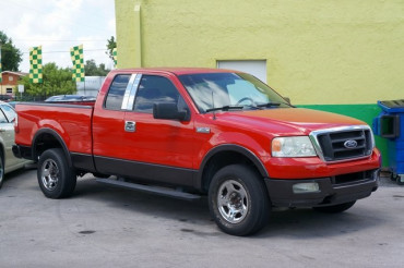 2004 Ford F-150 - Image 0