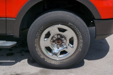 2004 Ford F-150 - Image 3