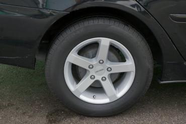 2005 Toyota Camry - Image 12