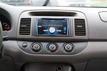 2005 Toyota Camry - Image 14