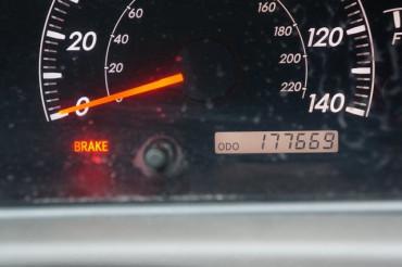 2005 Toyota Camry - Image 19