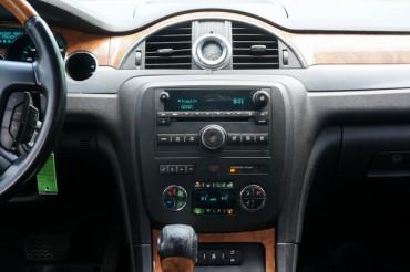 2009 Buick Enclave - Image 27