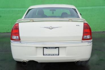 2006 Chrysler 300 - Image 3