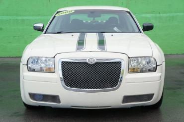 2006 Chrysler 300 - Image 7