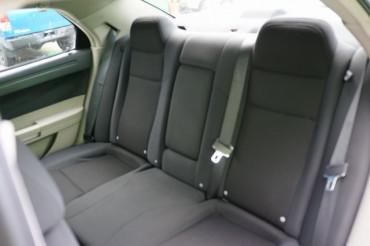 2006 Chrysler 300 - Image 19