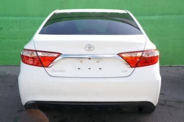 2017 Toyota Camry - Image 3