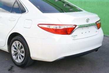 2017 Toyota Camry - Image 10