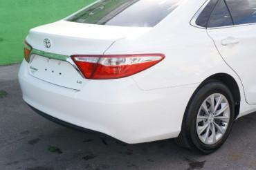 2017 Toyota Camry - Image 11