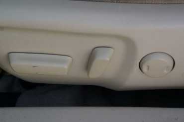 2017 Toyota Camry - Image 16