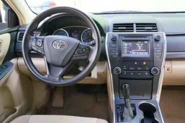2017 Toyota Camry - Image 20