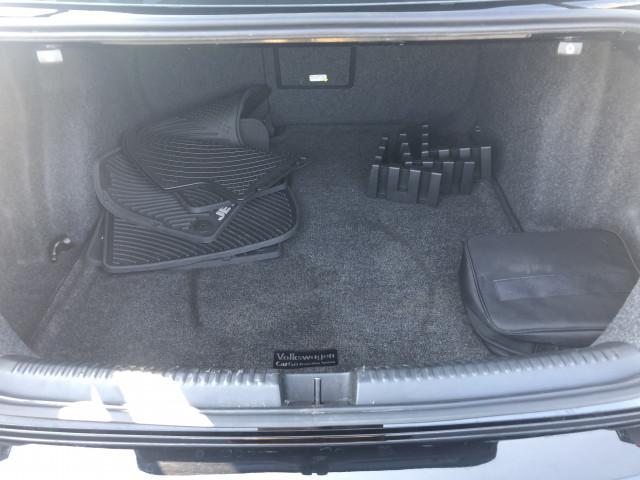 2017 Volkswagen Jetta - Image 10