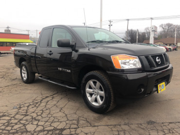 2013 Nissan Titan 2WD King Cab SWB S 4 Door Extended Cab Pickup - 5660 - Image 1