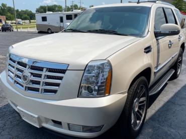 2011 CADILLAC ESCALADE SUV - 6211 - Image 1
